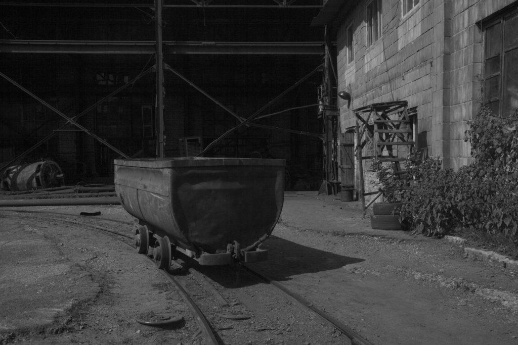 В результате кошмарного обвала на шахте в Луганской области есть жертвы, шахтёры готовятся к бунту