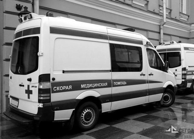 Получившая ранение под обстрелом пожилая женщина доставлена в больницу Новоазовска