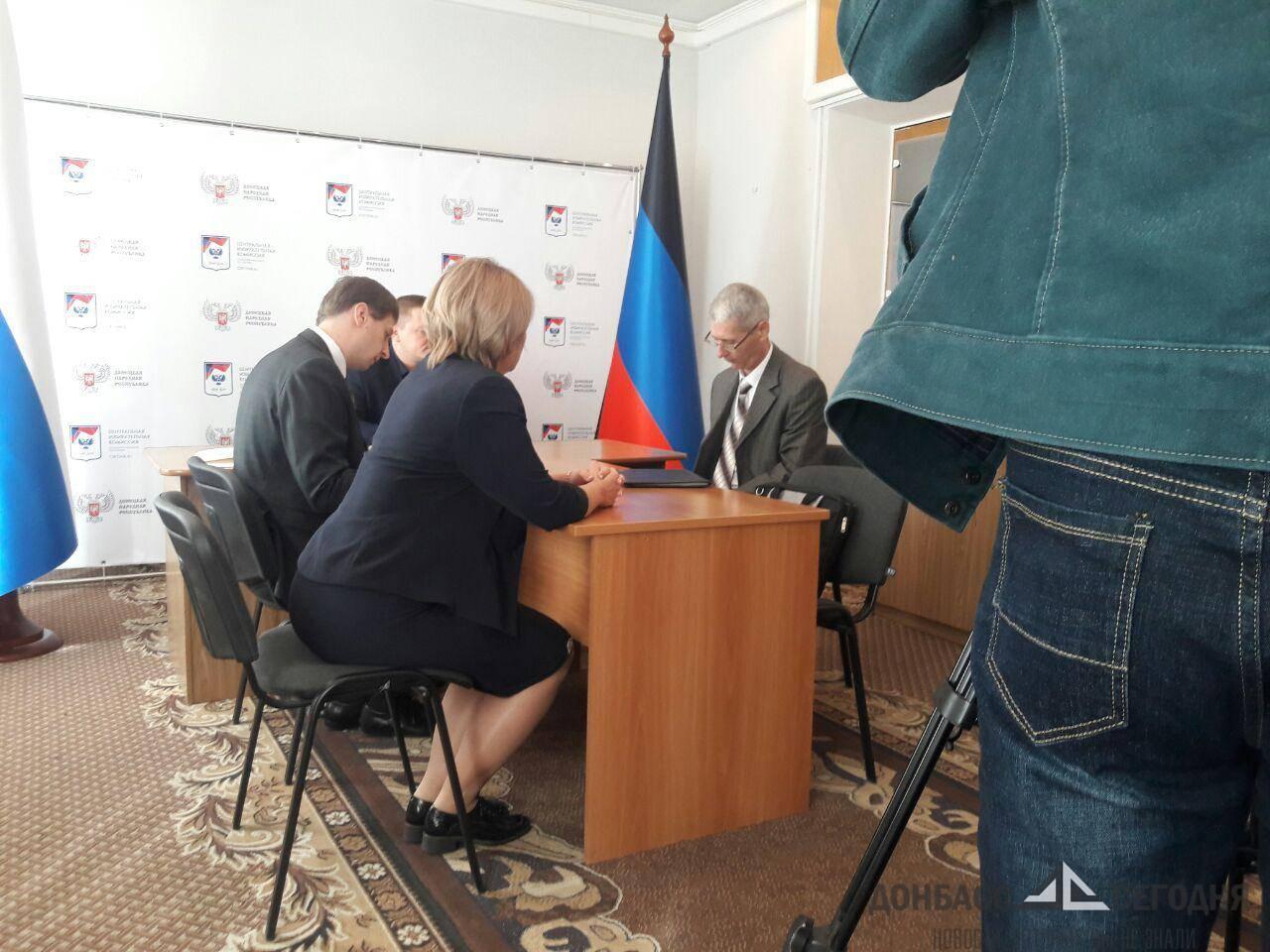 Медведев остался доволен работой ЦИК ДНР