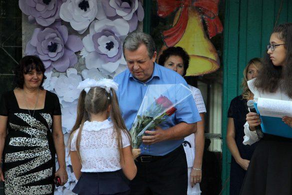 Министр информации ДНР рассказал, как прятал школьный букет