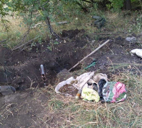 В Донбассе на блокпосту ВСУ закопали боеприпасы