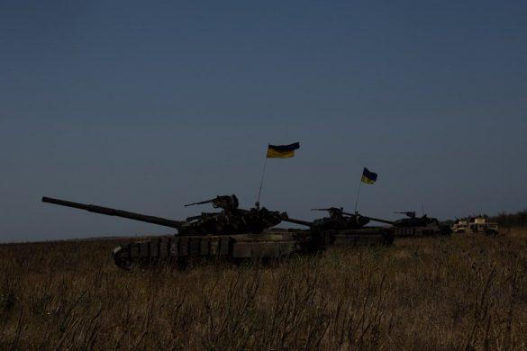 ВСУ подогнали танки и бронемашины к Азовскому морю