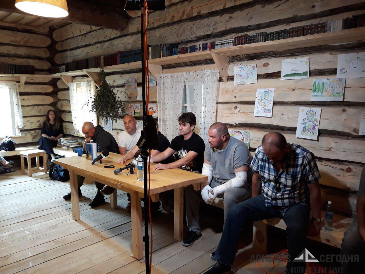 Появилось фото Тимофеева и Казакова в РФ