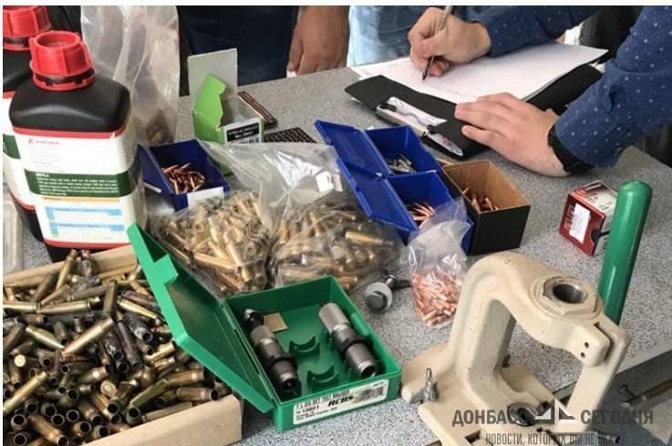 Жители Краматорска замаскировали мастерскую по изготовлению оружия под магазин штор