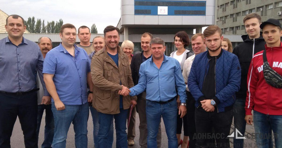 Украинские нардепы приехали заключать мир в ЛНР