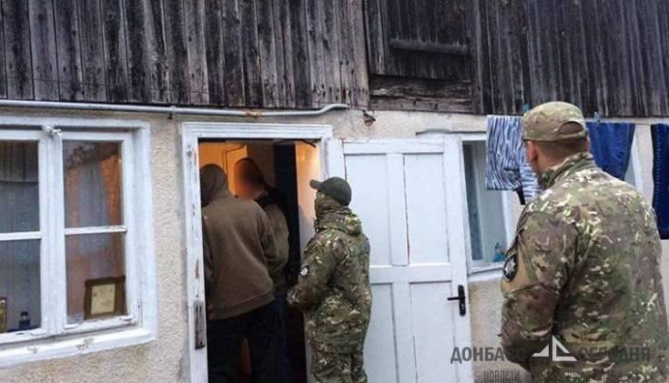 Уроженцы Донбасса держали в рабстве 32 человека, среди них - годовалый малыш
