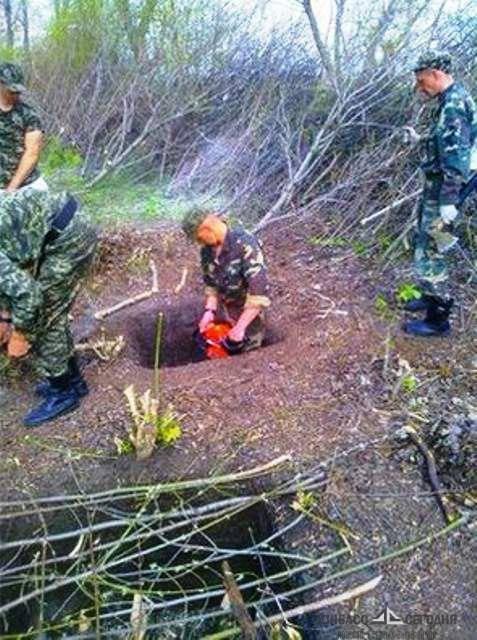 ВСУ замаскировали украинским флагом кошмарные ловушки под ЛЭП