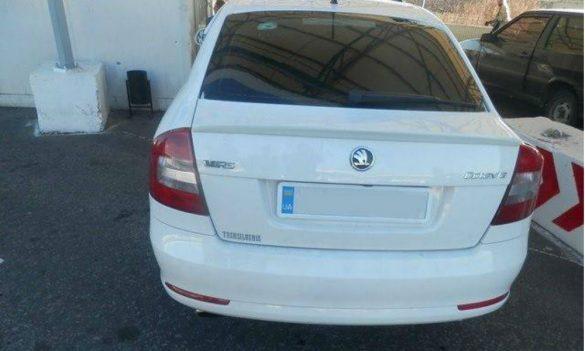 Срикошетившая пуля пробила стекло авто на украинском КПВВ