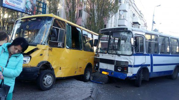 В Макеевке произошло масштабное ДТП с участием «скорой»