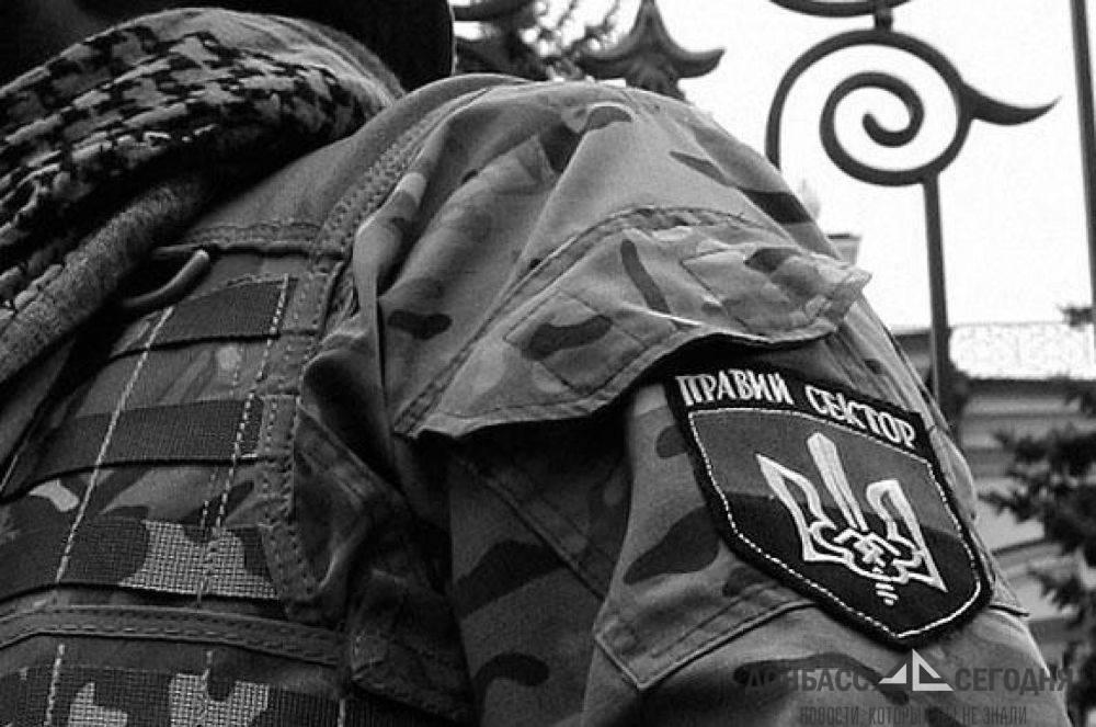 Командующий ООС подготовил в Мариуполе группировку для охоты на «Правый сектор»