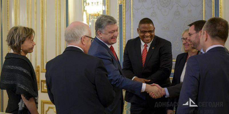 Порошенко благодарен баптистам за Донбасс