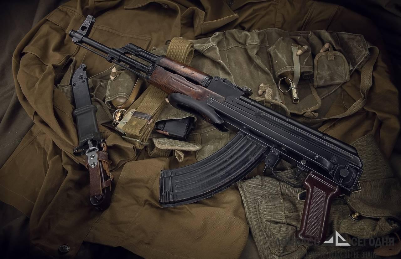 "В Донецке пытались продать ножи на Пушкина, а гранатомёт - на ""Маяке"""