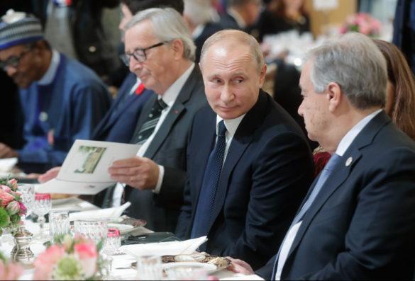 Во время выборов в Донбассе Путин встретился с Трампом