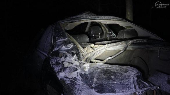 Кошмарное ДТП под Мариуполем: авто пролетело 200 метров, ломая всё