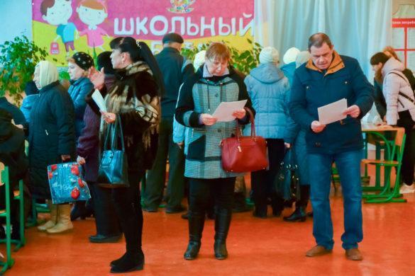 Как голосуют жители Макеевки (фоторепортаж)