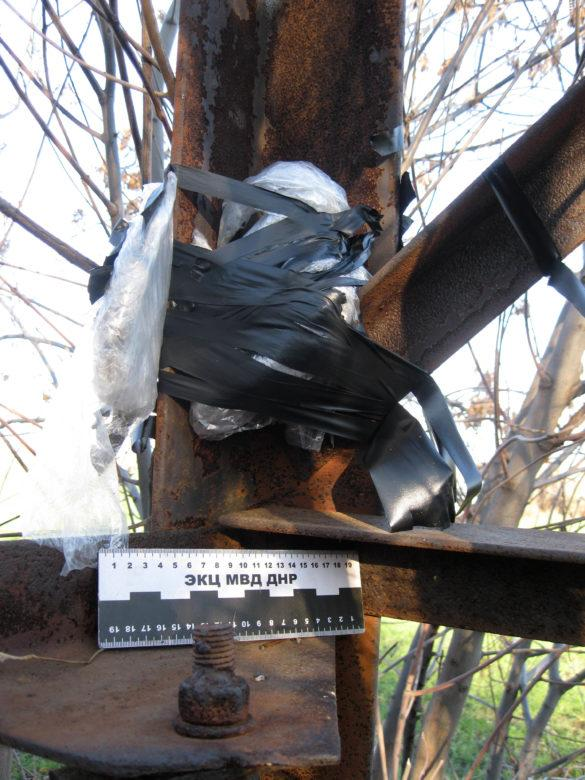 В ДНР обезвредили установленную на ЛЭП бомбу