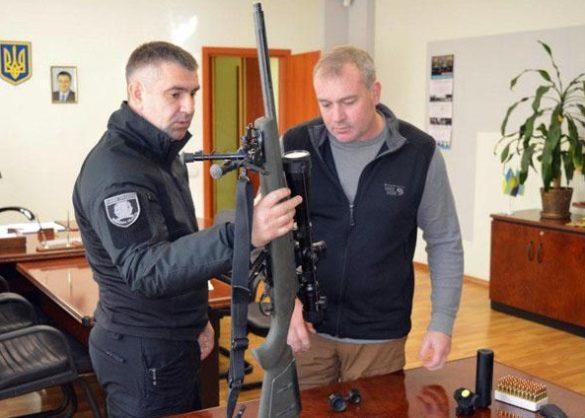 К украинским полицейским нагрянули с ревизией американцы в Краматорске