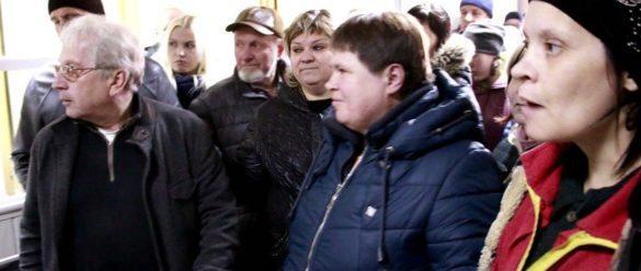 Рабочие на заводе Славянска устроили бунт и не дают вывозить продукцию