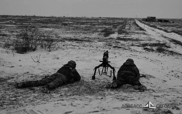 В ООС заявили о травмированном солдате, в ДНР - о новых обстрелах