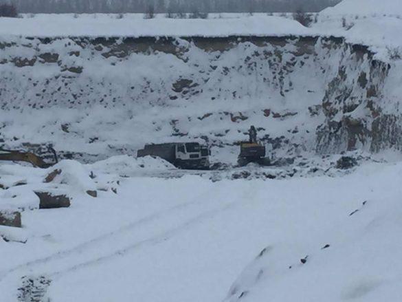Под Лисичанском развернули незаконную добычу угля на миллионы