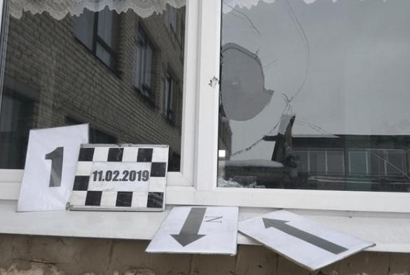 Как ВСУ расстреляли школу в Золотом