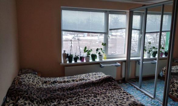 Банда киевских коллекторов дала переселенцам в общежитии отсрочку