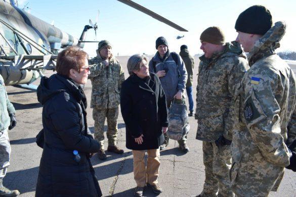 Наев отчитался перед американской сенаторшей в Донбассе