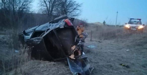 В Северодонецке перевернулся уходящий от нацполиции автомобиль с девушками