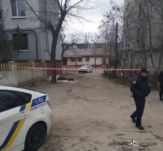 В Северодонецке под многоэтажками валяются гранаты