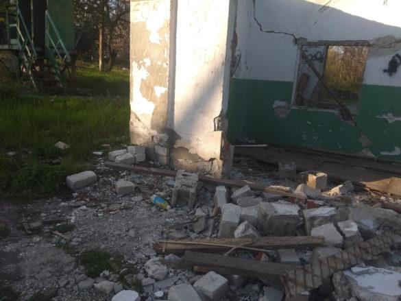 «Олимп» в аду. В Мариуполе переименованный лагерь им. Павки Корчагина превратили в жуткие руины