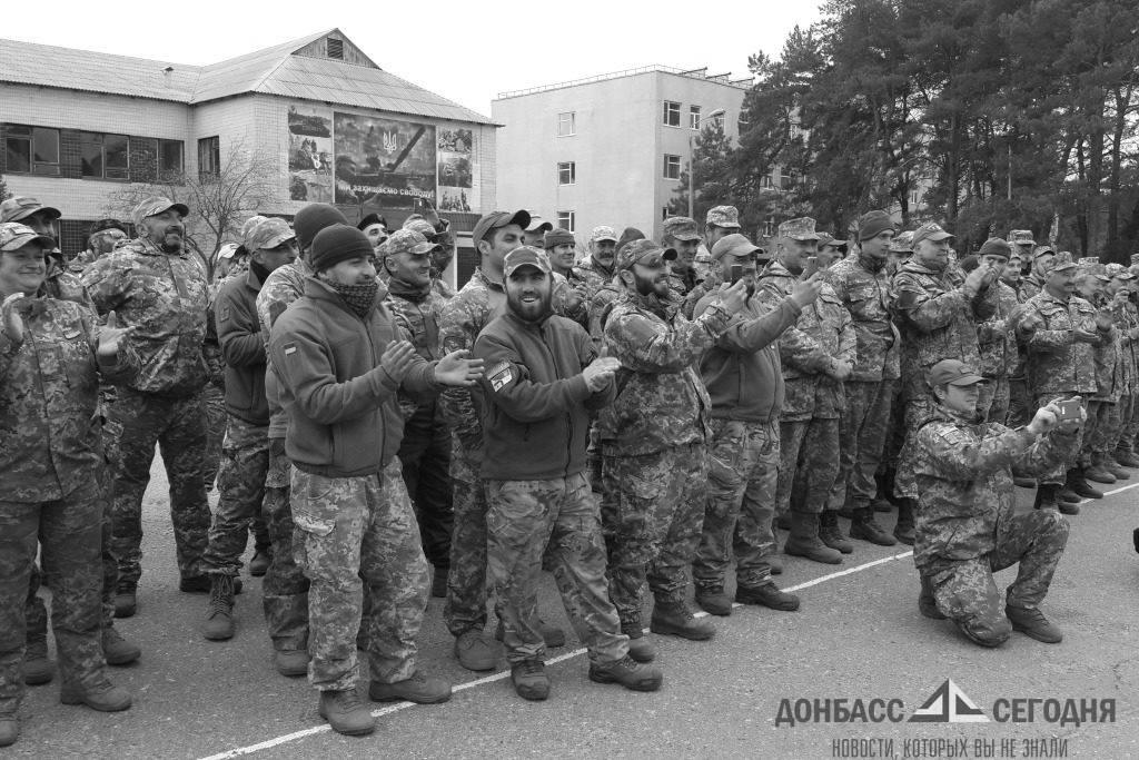 В Луганской области Киев ударными темпами собирает тербаты