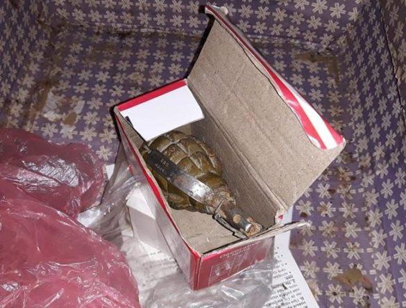 Житель Краматорска с ящиком гранат решил взорвать дом
