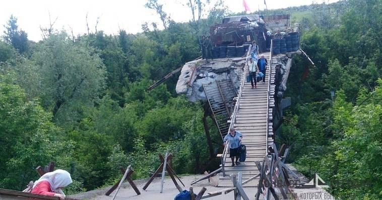Глава ОБСЕ прибыл в ЛНР и увидел кошмарный мост
