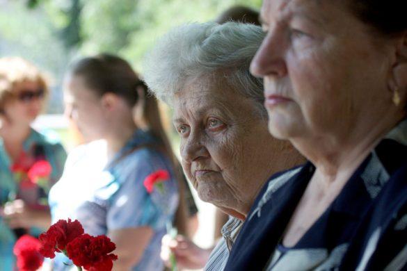 В Донецке почтили память погибших в наводнении в Иркутской области