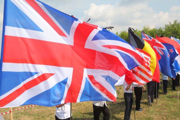 Жители ДНР почтили память жертв авиакатастрофы рейса МН-17