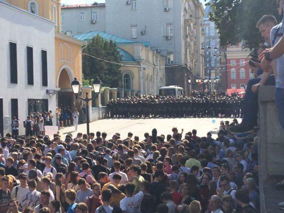 Бейте их же оружием! — в Донецке высказались о «Майдане» в Москве