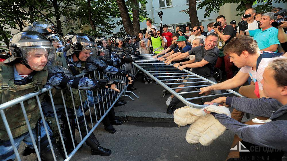 Основатель ДНР рассказал, когда добровольцы Донбасса вмешаются в московские митинги