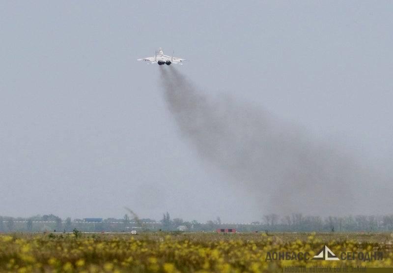 Какой контраст! - самолёты в Крыму и те, которые несли страх и смерть в небесах Донбасса