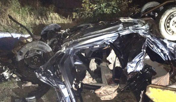 В кошмарном ДТП в Мариуполе уничтожен автомобиль, есть жертвы
