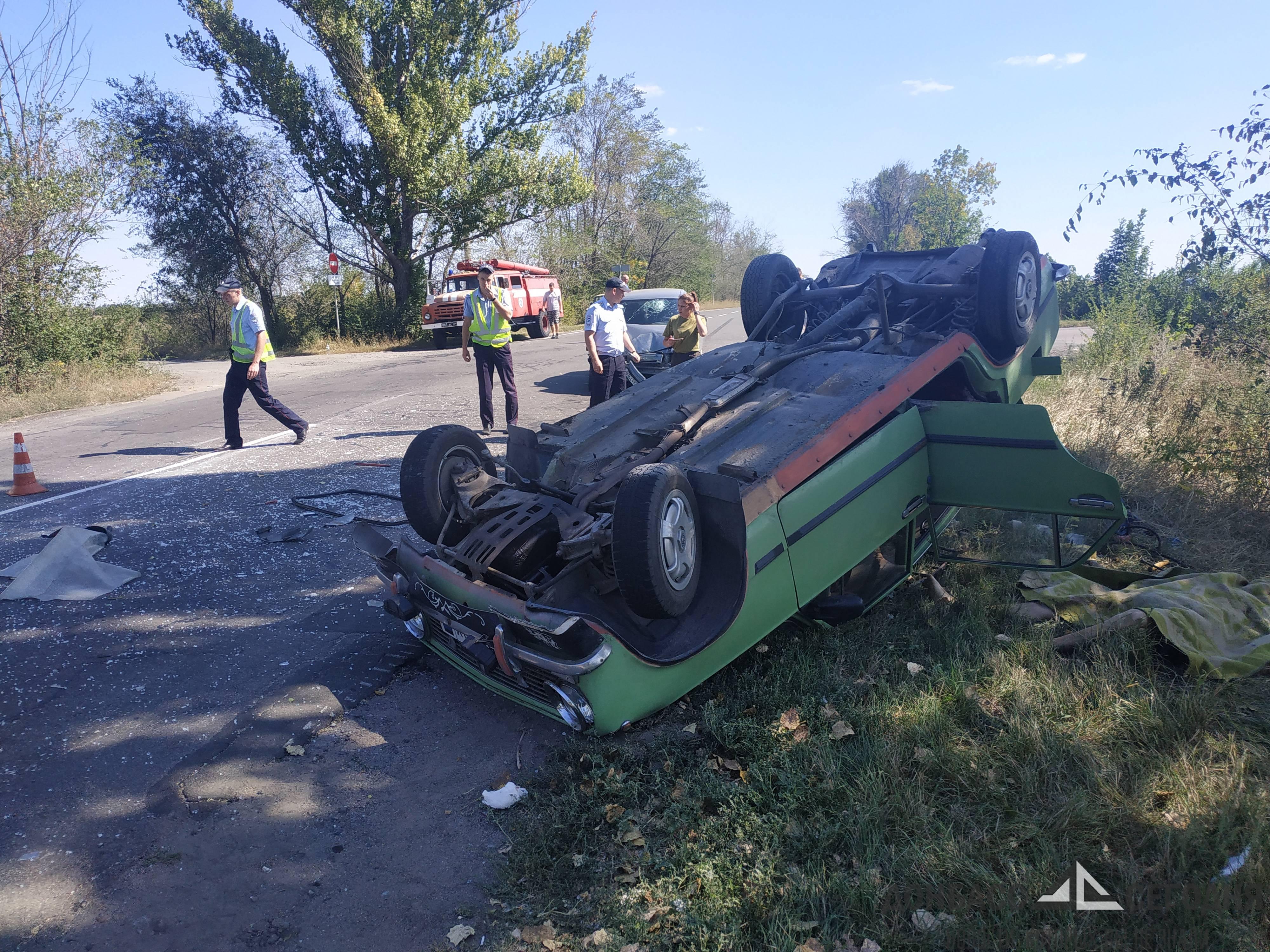 """В Донецке после столкновения перевернулись """"Жигули"""", водитель погиб на месте"""