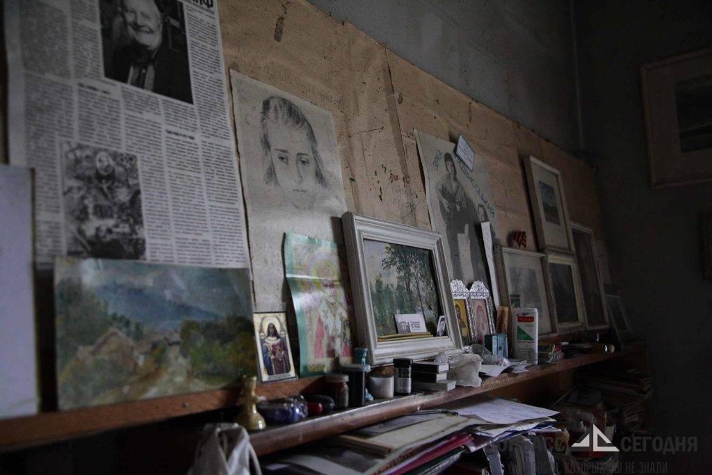 """""""Не выпускал кисть из рук до самой смерти"""" - в Донецке простились с легендарным художником"""