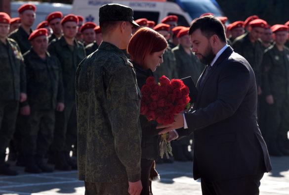 Пушилин поздравил бойцов Краматорского полка