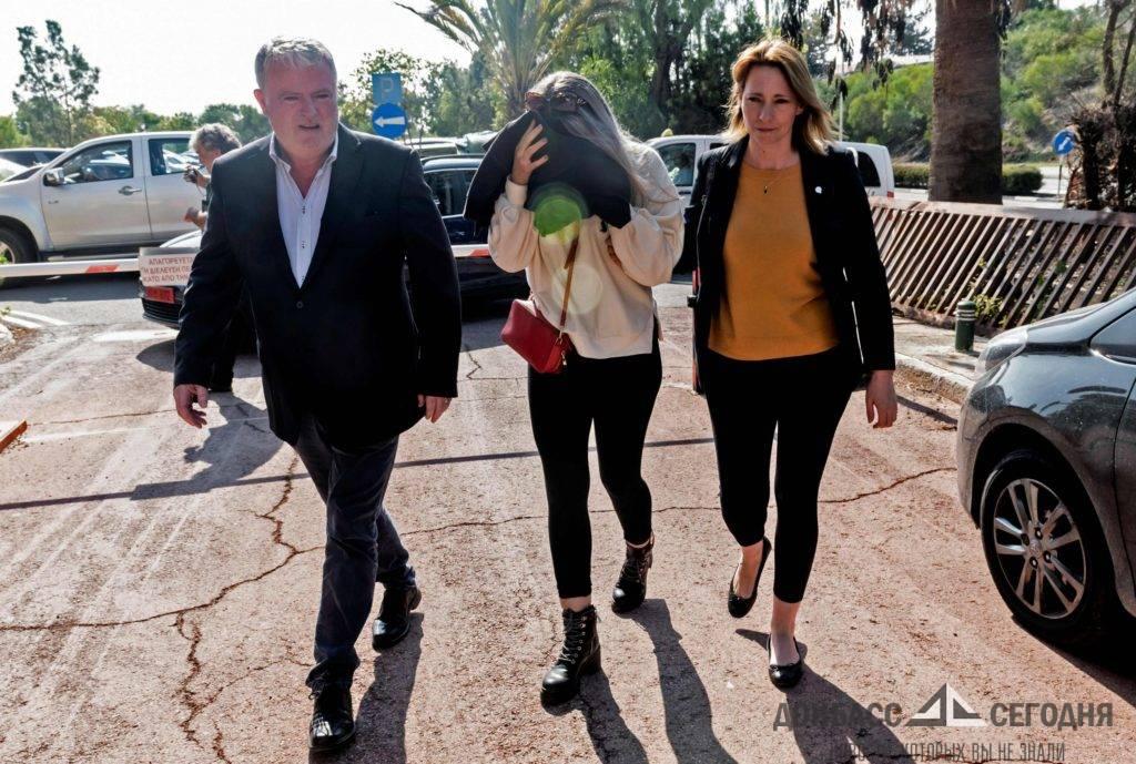 Отказавшуюся от группового изнасилования в кипрском отеле британку признали виновной