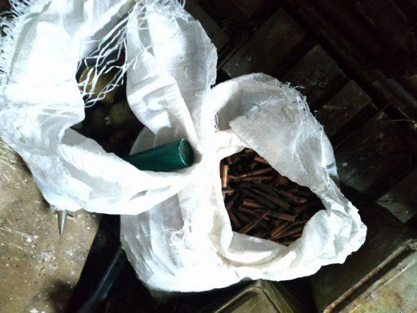 В ЛНР ликвидировали гигантский тайник боеприпасов