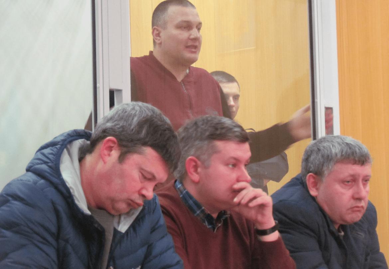 Убийц семьи кума Януковича пытают в Мариуполе