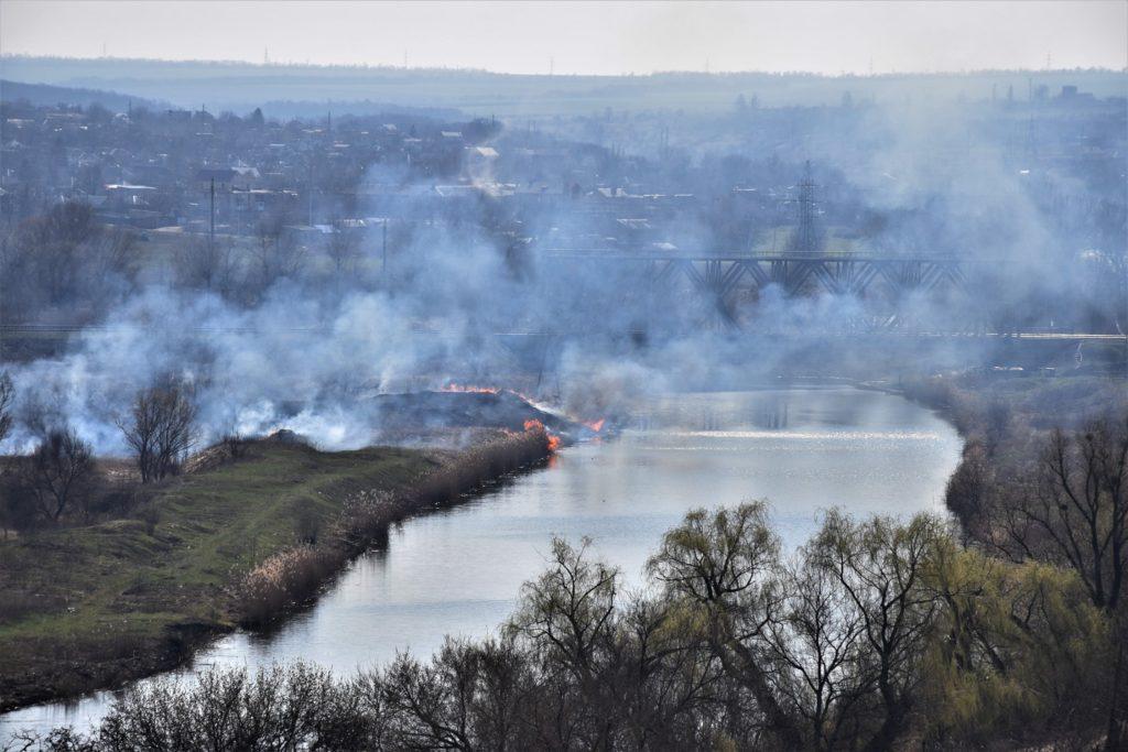 Славянск задыхается в дыму от пожаров