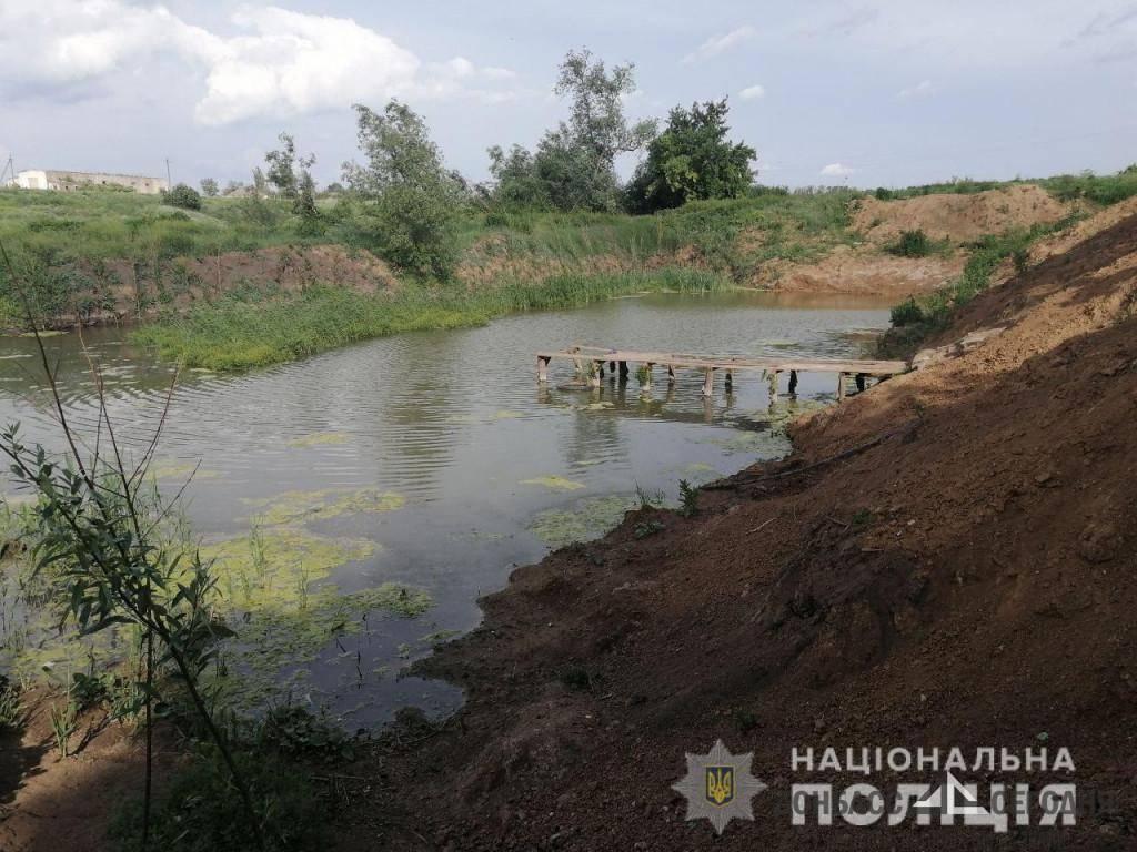 Малыш погиб в мрачном водоёме Донецкой области