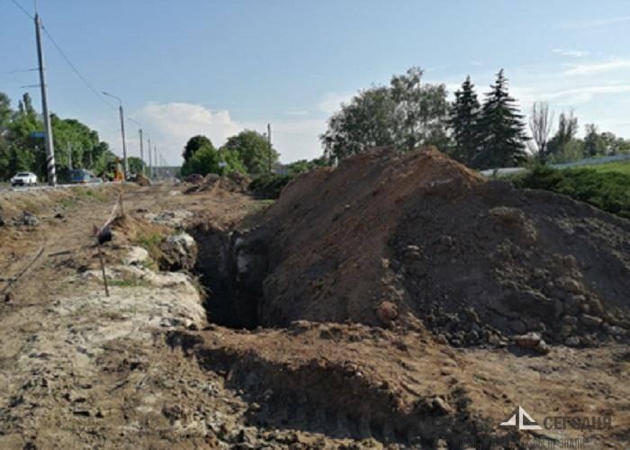 В Краматорске строят канализацию на черепах красноармейцев