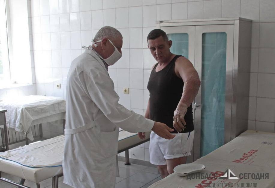 Спасая пшеницу, сотрудник МЧС ДНР попал в огненный смерч