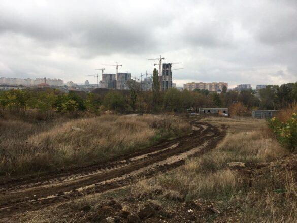 На улице имени Захарченко в Симферополе пока только стройка